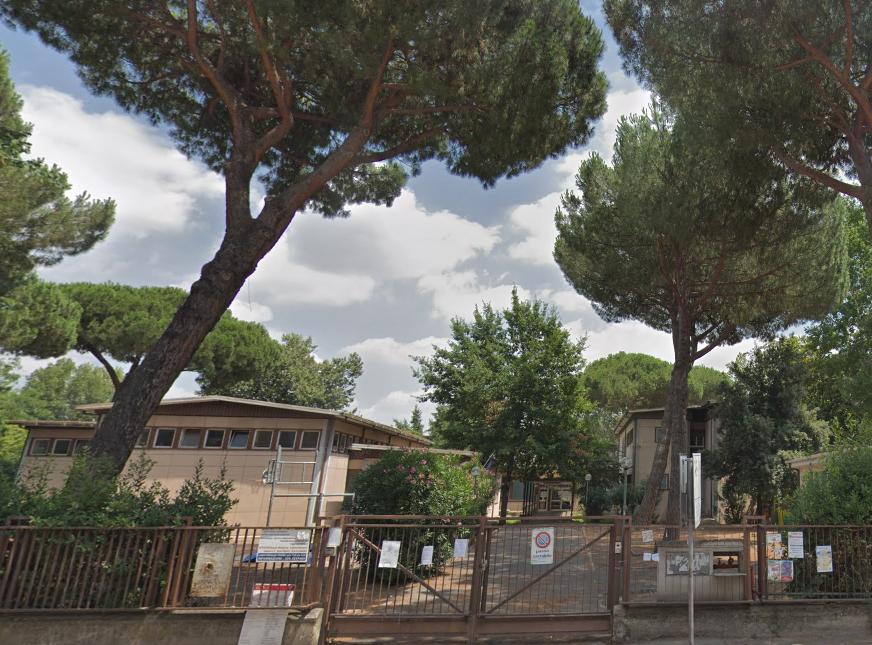 Donazione di libri a Scuola Elementare Giovanni XXIII di Roma
